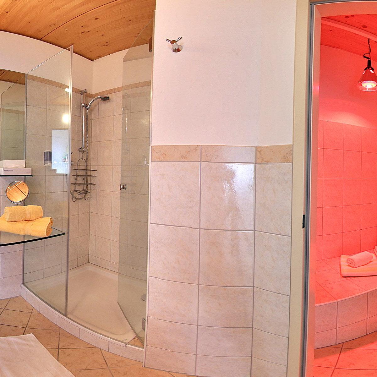 Wellness-Zimmer mit privatem Tepidarium & Infrarotlampe